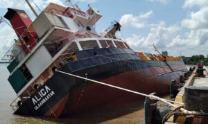 Container ship ALICA capsized at Ho Chi Minh port Nha Be